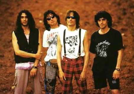 Extremoduro rompe los esquemas del rock español