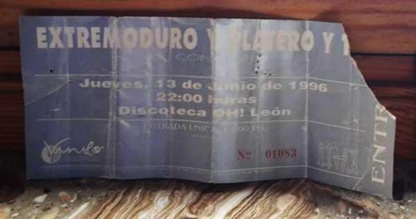 Entrada-Extremoduro-y-Platero-y-Tu-año-1996-06-13-OH-Leon.jpg